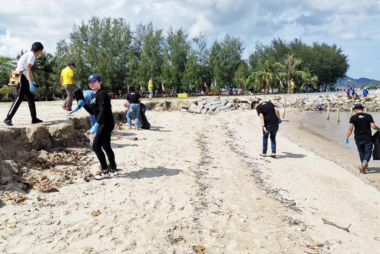 International Beach Cleaning Day